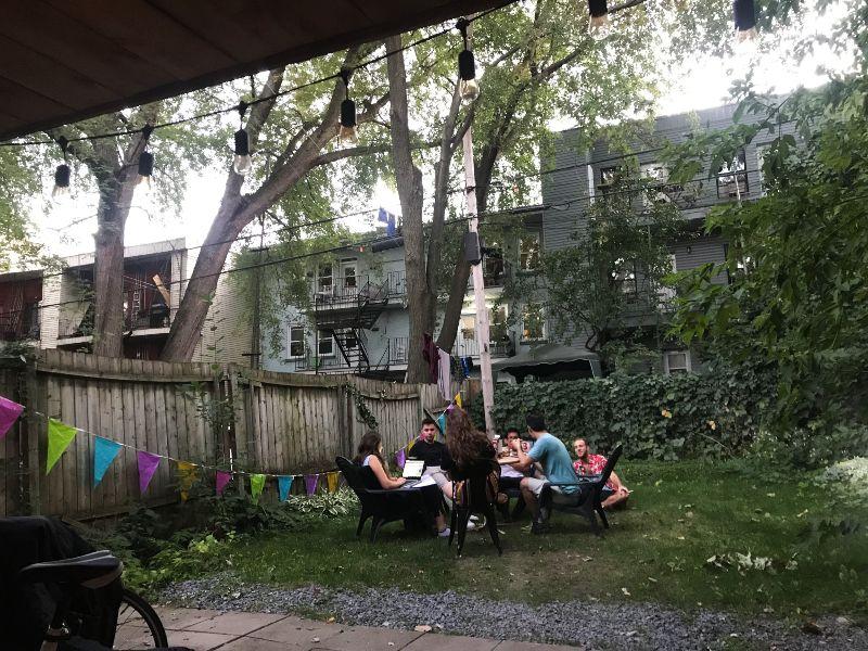 加拿大蒙特婁|15個人住在一個混亂與樂趣