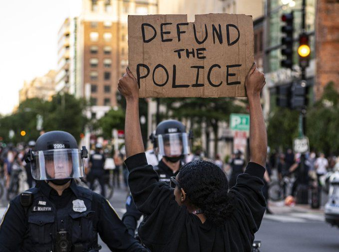 We Cannot Rely on Politicians to Support Defunding the Police