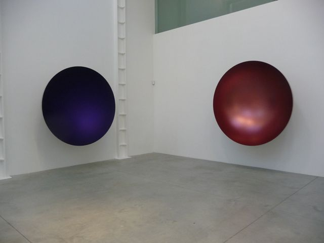 Anish Kapoor: Two Blues 2012 (Left); Hollow 2012 (Right)